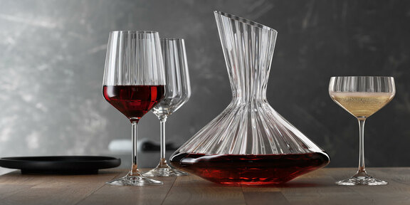 lifestyle_decanter_weinglas_coupette_2021.jpg